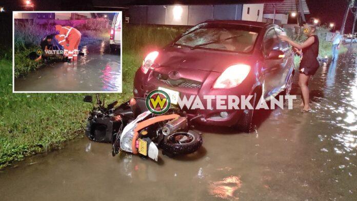 Twee militairen op scooter gewond na aanrijding met auto
