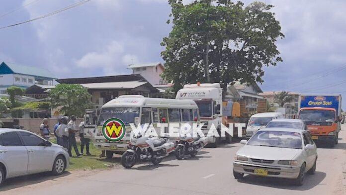 Lijnbus klemgereden door politie na wangedrag chauffeur