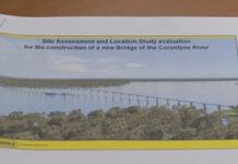President krijgt presentatie over bouw 'Corantijnbrug'