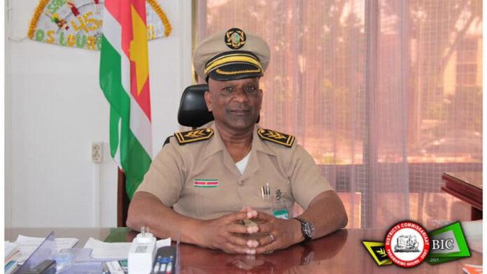 Districtscommissaris: 'Massaal op straat gaan politie onverstandig'