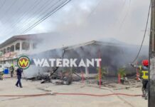 Brand bij Fast Food Restaurant Golden Wings Latour