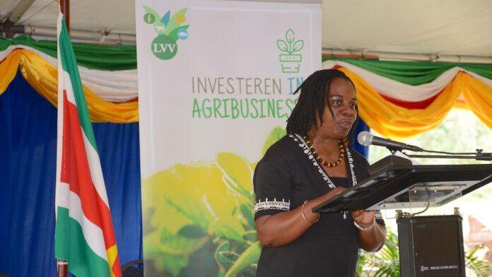 Opzet Agrarisch Praktijkcentrum geprezen door directeur Beroepsonderwijs