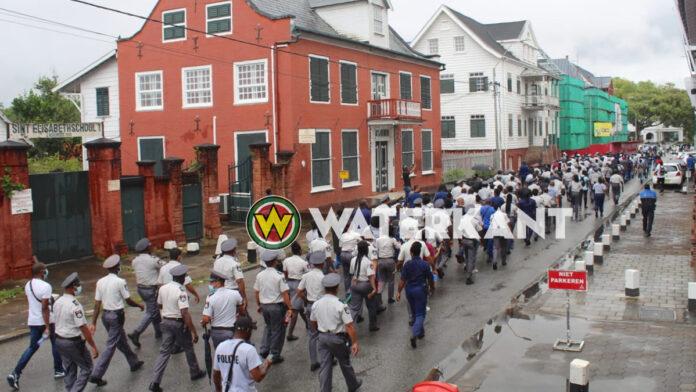 President hoort wensen en grieven politiebond aan