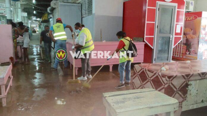 VIDEO: Centrale Markt in Suriname ondergaat grondige wasbeurt