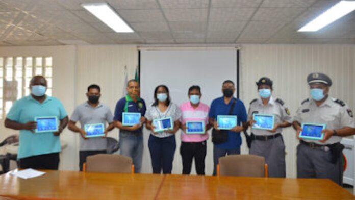 Gedoneerde tablets ingezet bij controle lockdown-overtreders