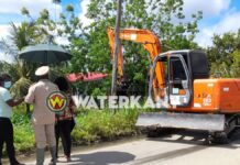 VIDEO: Ophalen trenzen en goten Winti Wai na wateroverlast