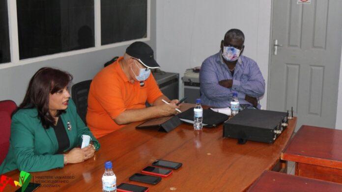 Sociale crisislijn 189 gelanceerd in Suriname