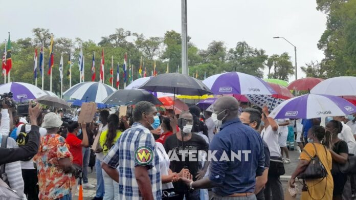 NDP'er Ebu Jones positief getest op COVID-19 na politiebond protest