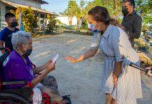 First Lady doneert waardebonnen in Lelydorp