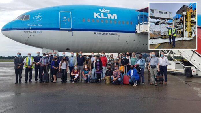 Team van medisch personeel en hulpgoederen uit Nederland aangekomen
