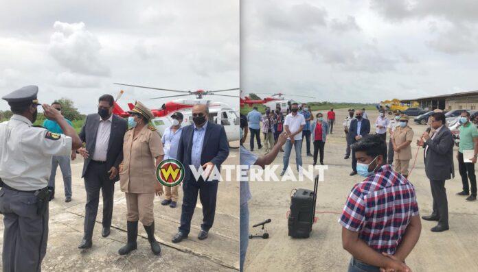 President brengt spoedbezoek aan Nickerie per helikopter