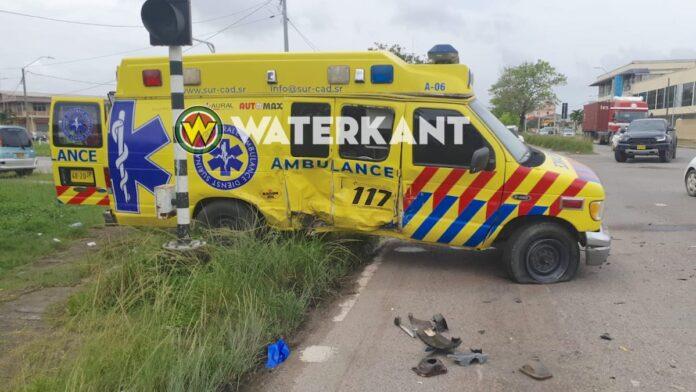 Aangereden ambulance SUR-CAD niet meer te gebruiken