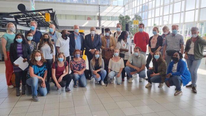 Nederlands team van medisch personeel vertrokken naar Suriname
