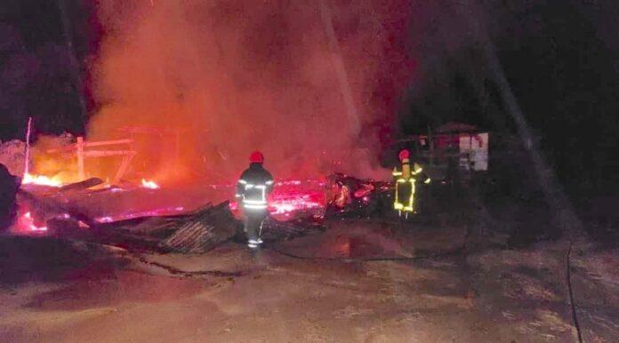 Woning in brand gevlogen na blikseminslag