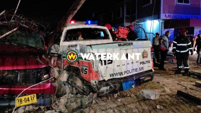 zwaar verkeersongeval politieauto kwattaweg suriname