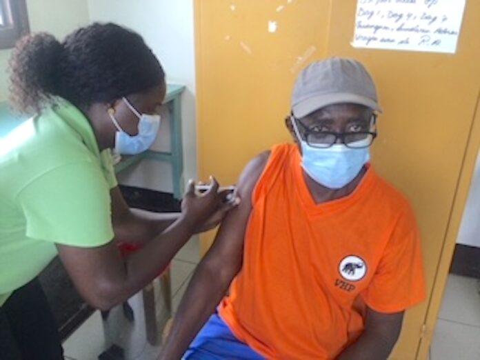 Eerste COVID-19 vaccinatie activiteit te Oost-Suriname