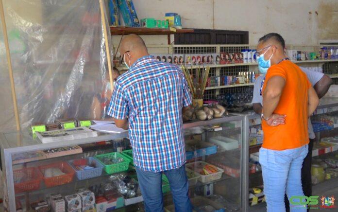 Controle op prijzen basisgoederen bij winkels te Boma en Koewarasan