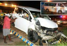Inhalende bestuurder knalt tegen busje Diakonessenhuis; 4 gewonden