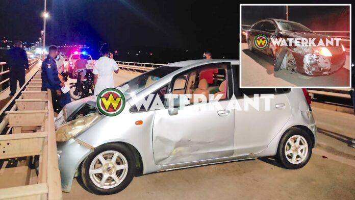 Aanrijding tussen twee auto's op Bosje brug tijdens lockdown