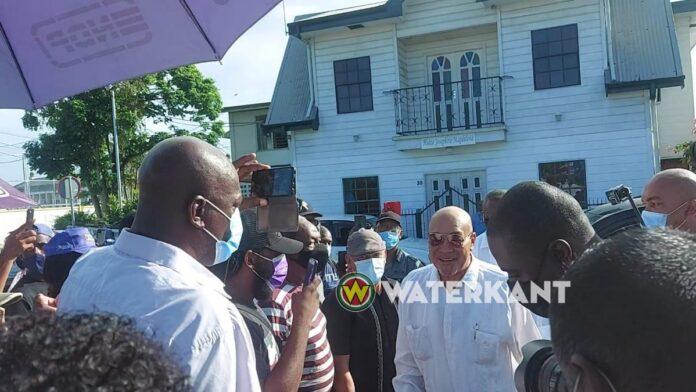 Hoofdverdachte Decembermoorden voor de Krijgsraad van Suriname