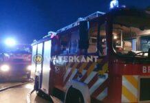 brandweervoertuigen-op-locatie-in-actie-suriname