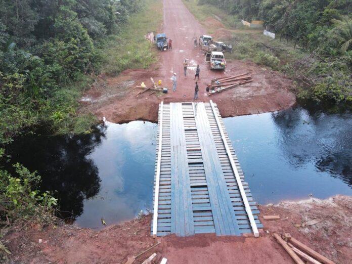 Eigenaren van houtconcessies herstellen Spari- en Coesewijnebrug