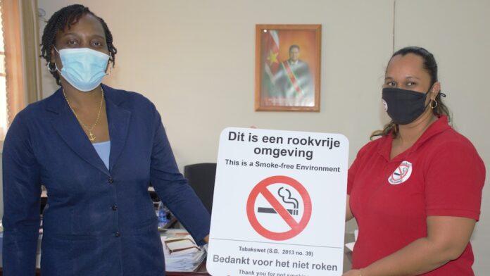 BOG doneert voorlichtingsmateriaal Tabakswet aan MINOWC