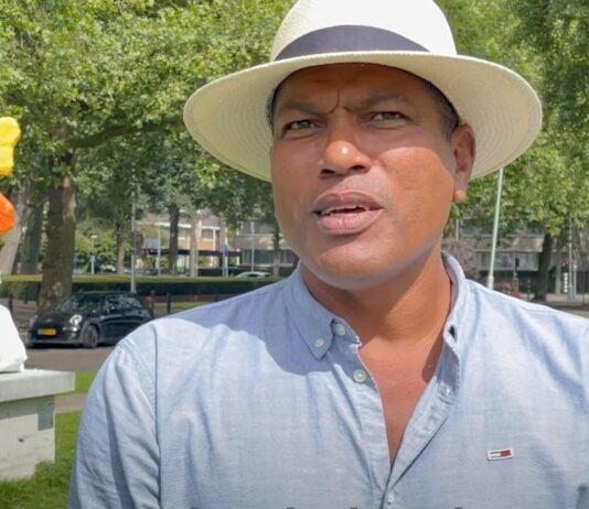 VIDEO: Beeld Surinaamse kunstenaar vertraagd voor tentoonstelling door drugscontrole