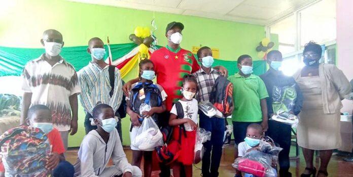 Launch schoolpakkettenproject SOZAVO te Abadoekondre