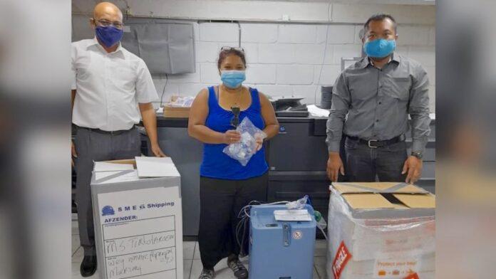 Donatie medische verbruiksartikelen aan 's Lands Hospitaal