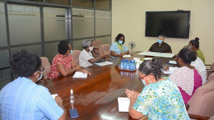 Minister Levens ontvangt vertegenwoordigers onderwijzersbonden
