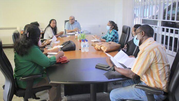 LVV-minister Sewdien installeert 'Steering Committee Zesde Agrarische Telling'