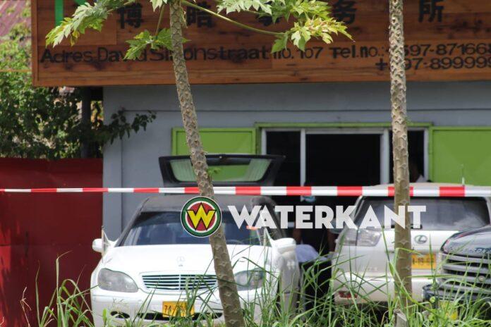 Man doodgeschoten in bedrijfspand annex woonhuis in Paramaribo-Noord
