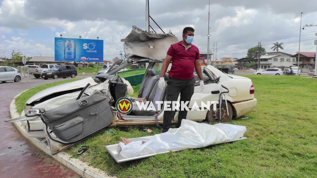 Vrouw dood na verkeersongeval bij rotonde Bosje brug