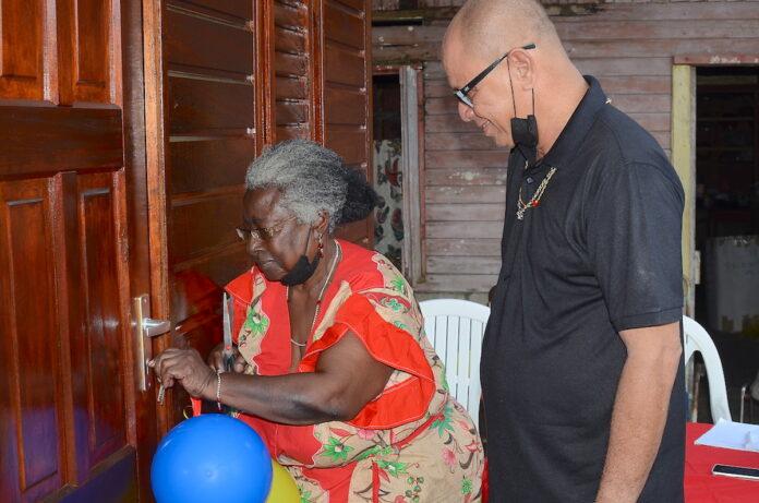 Stichting 1 voor 12 regelt splinternieuwe woningen voor getroffen seniore burgers
