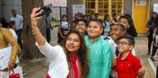 First lady bezoekt Shri Vishnu basisschool Den Haag