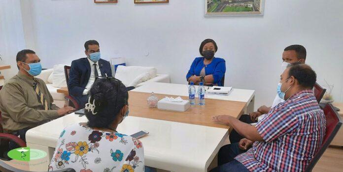 Minister Ramadhin brengt spoed werkbezoek aan Kinderafdeling AZP