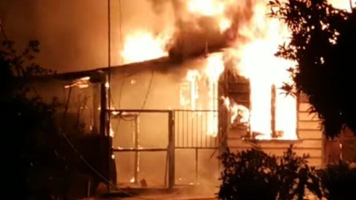 Woning met inboedel afgebrand in Paramaribo-Noord