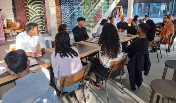 Minister hoort issues en problemen Surinaamse studenten TU Delft aan