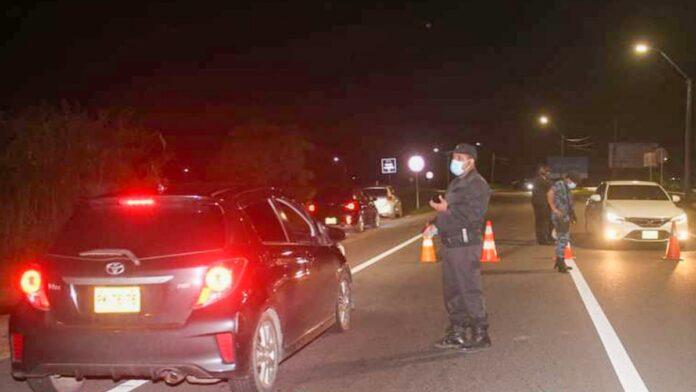 politie-verkeerscontrole-suriname