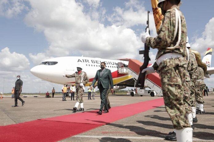 President Santokhi terug in Suriname na succesvol werkbezoek