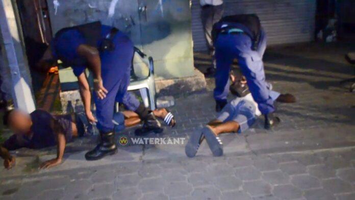 verdachten-aangehouden-politie-assistentie-suriname