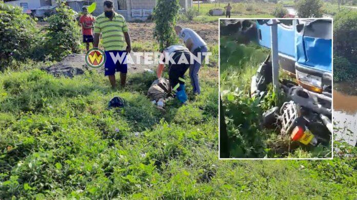 Bromfietser dood na verkeersongeval in Nickerie