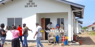 Huizen ontruimd door politie, 11 personen aangehouden