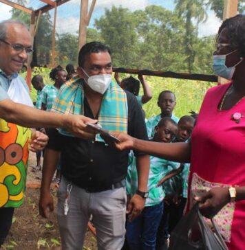 Wereldvoedseldag: Agrariërs in Suriname door LVV gehuldigd