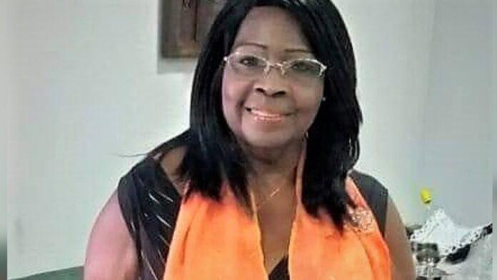 Ma Dinie (72) opgenomen in ziekenhuis