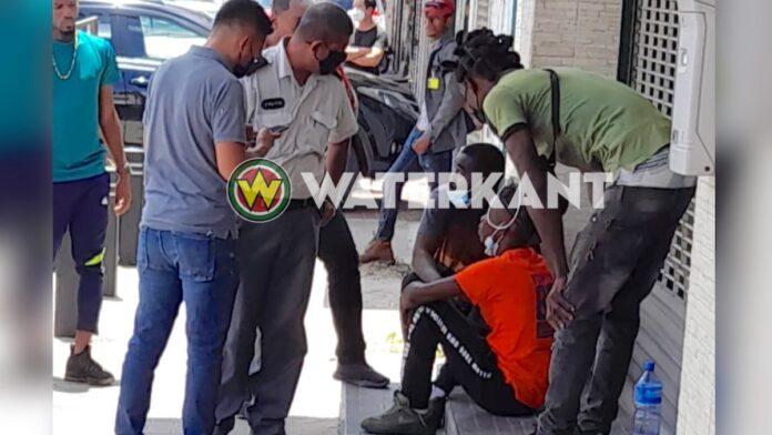 Jongeman valt flauw na beroving; RBTP houdt verdachte snel aan
