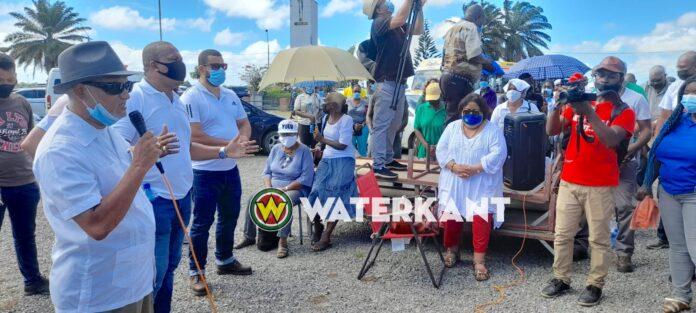 VIDEO: Protestactie tegen gedwongen vaccineren in Suriname