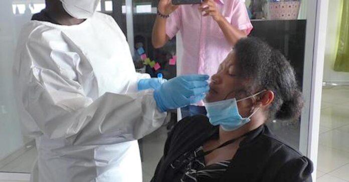 Personeel CDS geswabt op werkvloer vanwege besmettingen