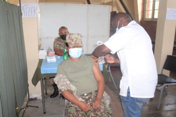 8 medewerkers Defensie overleden aan COVID-19; geen een gevaccineerd